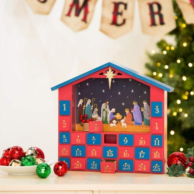 Wooden Farmhouse Nativity Advent Countdown