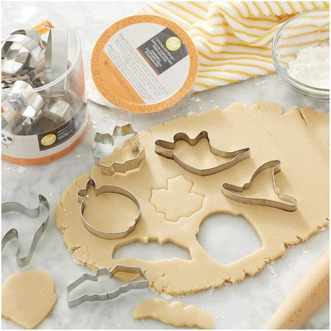 Wilton Halloween Metal Cookie Cutter Tub
