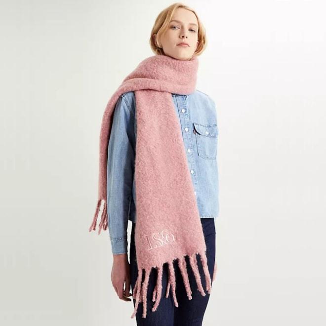 Fuzzy Wrap - Pink