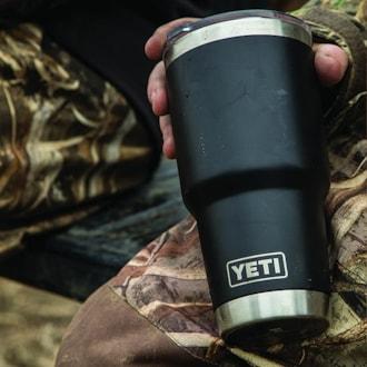 YETI Rambler 30 oz Stainless Steel Vacuum Insulated Tumbler w/ MagSlider Lid